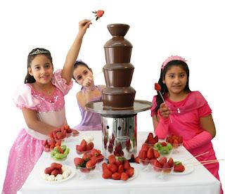Cumpleaños infantiles con cascada de chocolate Tatacua