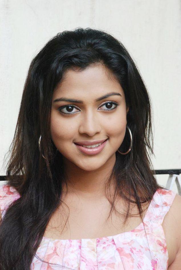 Actress Hot Pix Amala Pal Sexy Looking