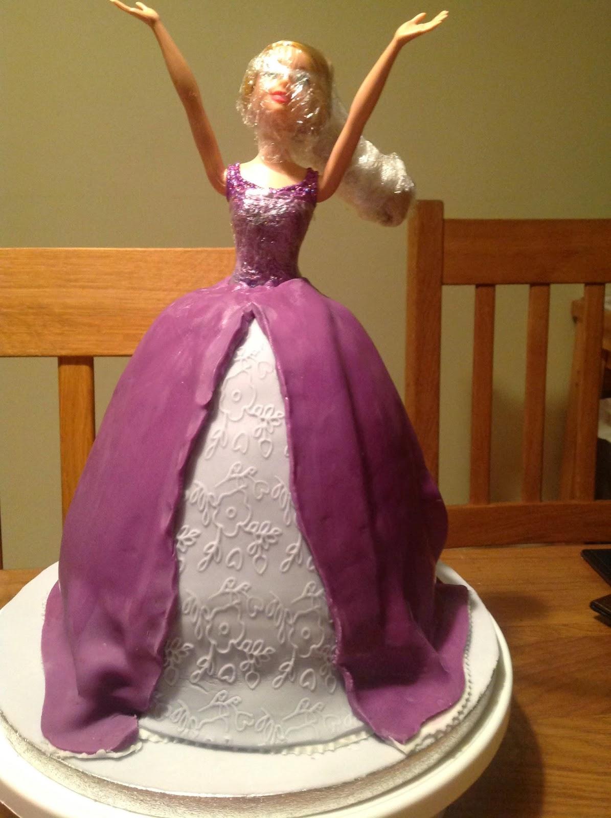 Making a Disney Tangled Rapunzel Birthday Cake