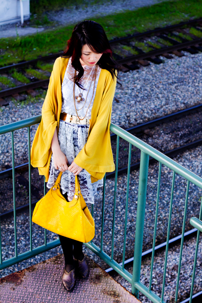 posing in vintage, One teaspoon mustard kimono, vintage lace multi layer dress, roman tights from asos, thrifted shoes, thrift finds, vintage style, yellow gucci purse, gold vintage belt, down by the pier, old vancouver, artistic expression, fashion, style, vintage, thrift, street style, yellow on yellow, how to wear yellow with yellow, forever21 gold multi strand necklaces, One Teaspoon Almost Innocent Kimono