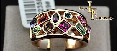 Anel folheado a ouro 18k com cristais coloridos