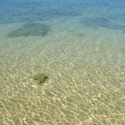La clarté de la mer à Koh Lanta