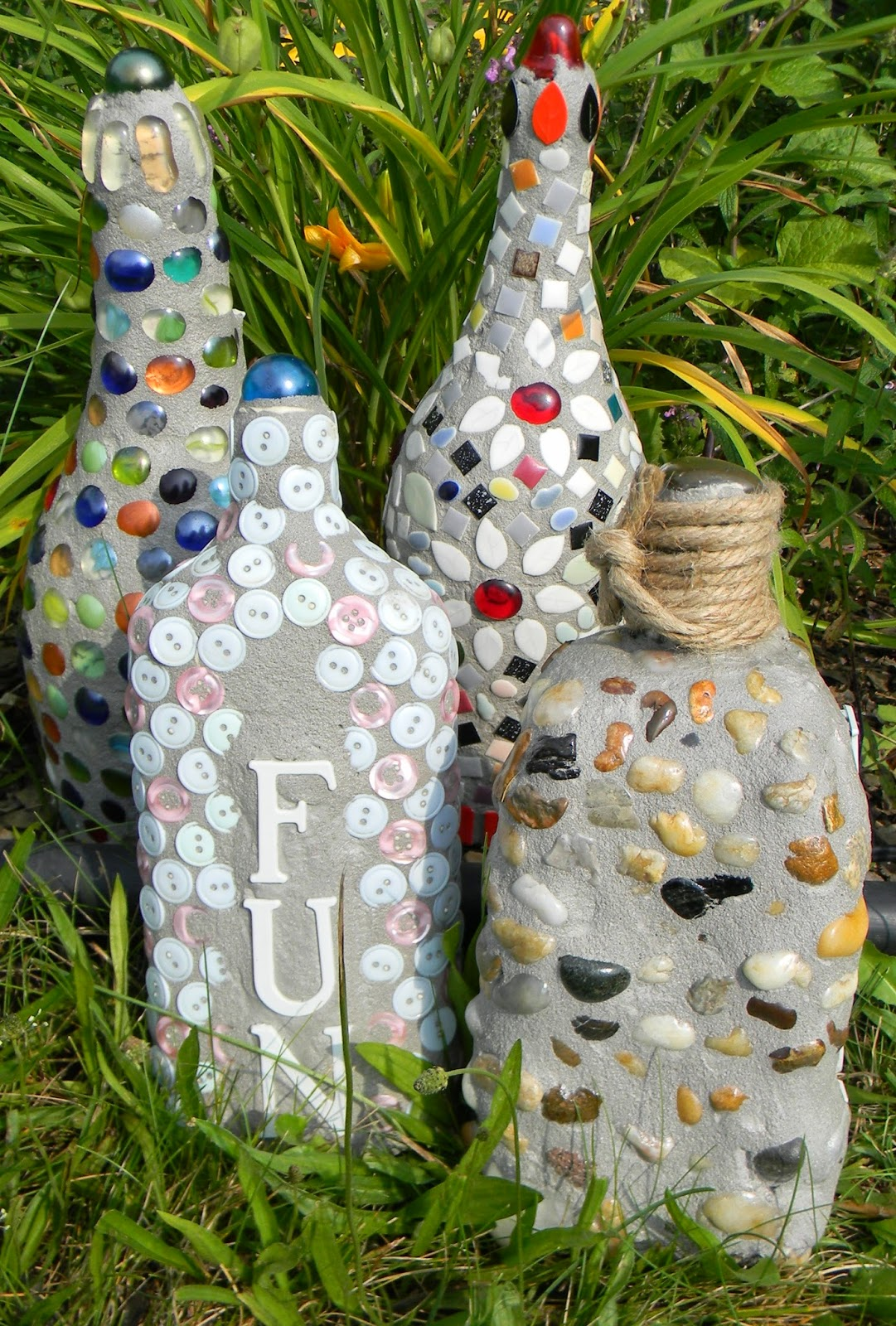 Artistic endeavors 101 recycled materials become garden decor for Garden decoration with waste material