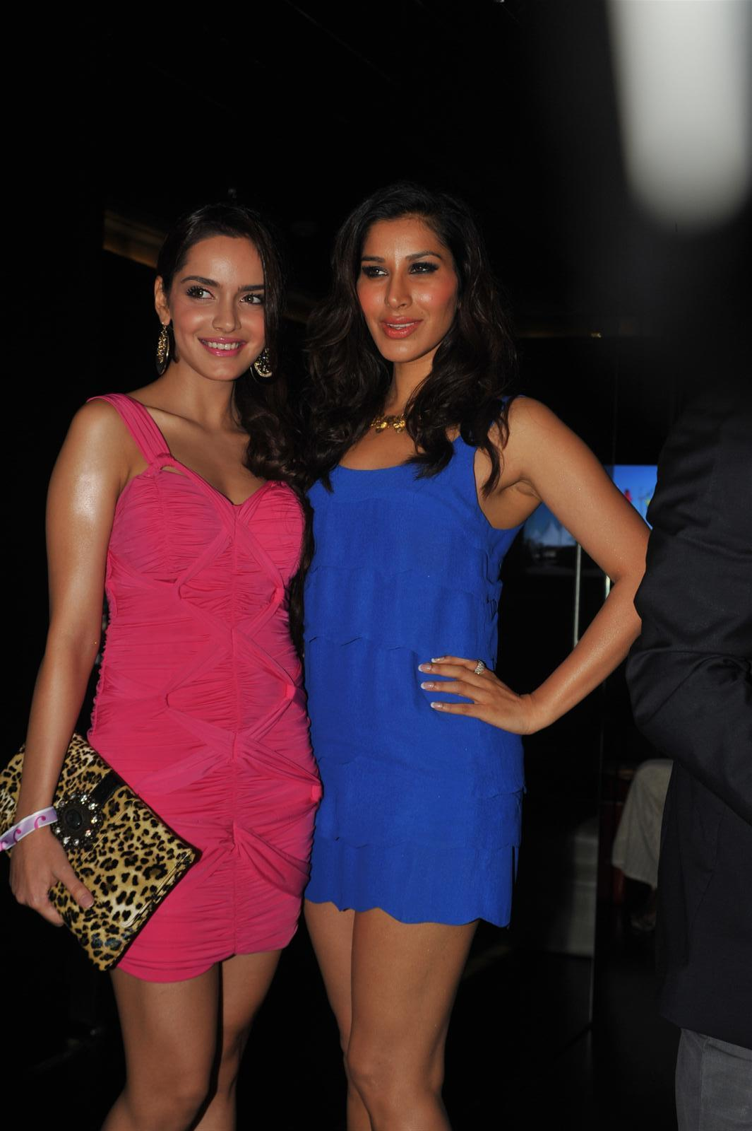 shazahn padamsee spicy in pink dress at event photo gallery