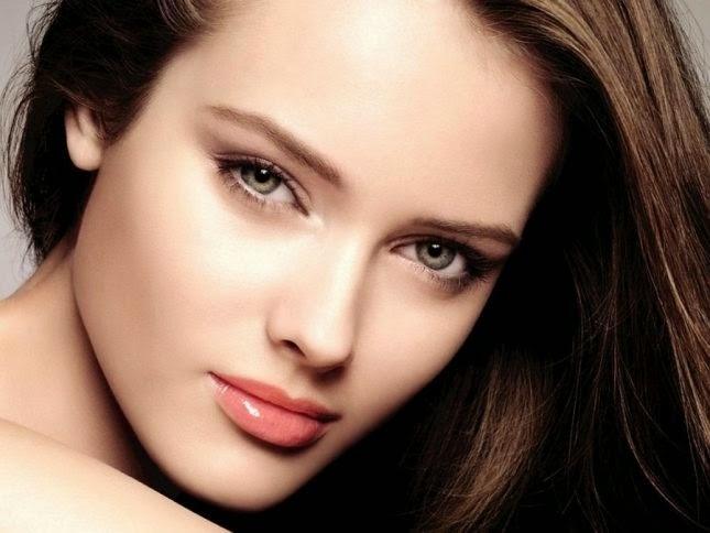 تعلمي طريقة إخفاء عيوب البشرة - بنت امرأة فتاة جميلة جدا - beautiful girl woman beauty