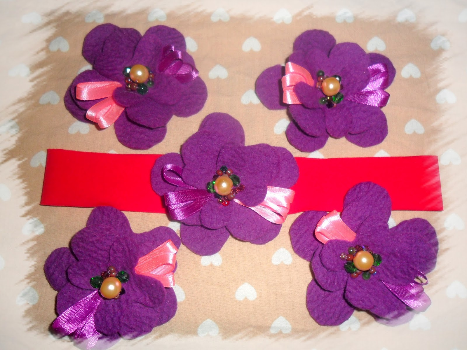 Kwiatki filcowe-broszki opaski