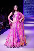 Kriti Sanon latest glamorous raml walk-thumbnail-8