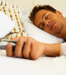 الجوال فى غرفة النوم يصيبك بالأرق والاكتئاب