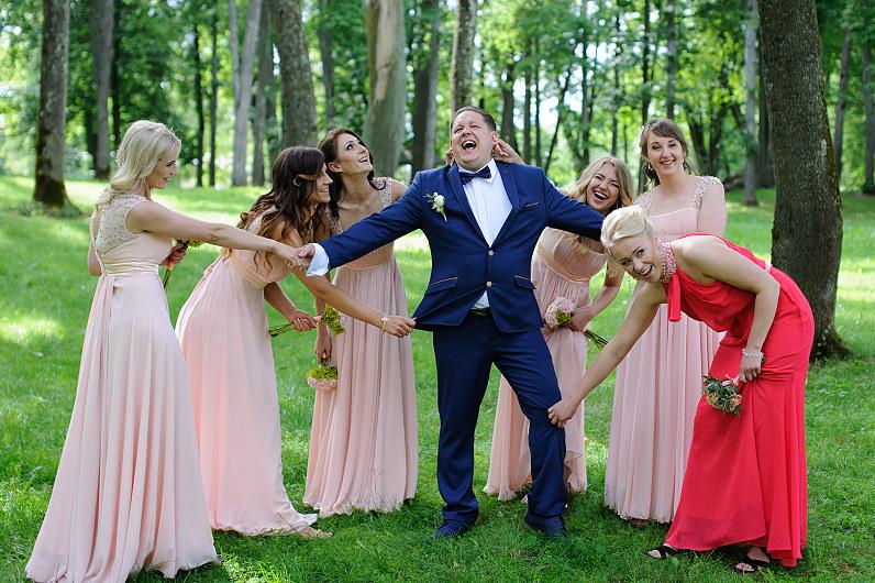 linksma smagi vestuvių pulko fotosesija