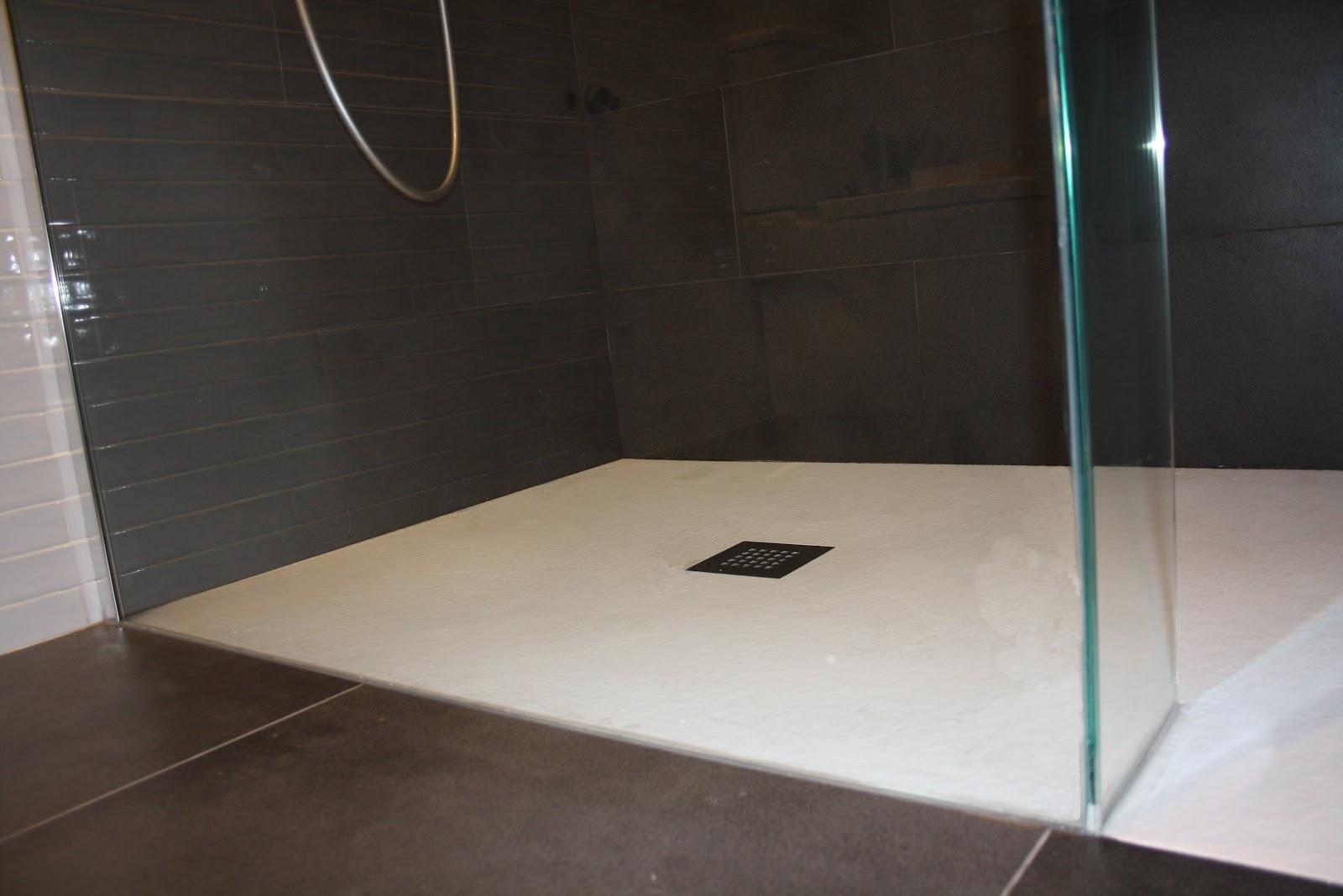 Historia De La Regadera De Baño:de ducha pácticamente sin perfileria metálica separa la ducha del