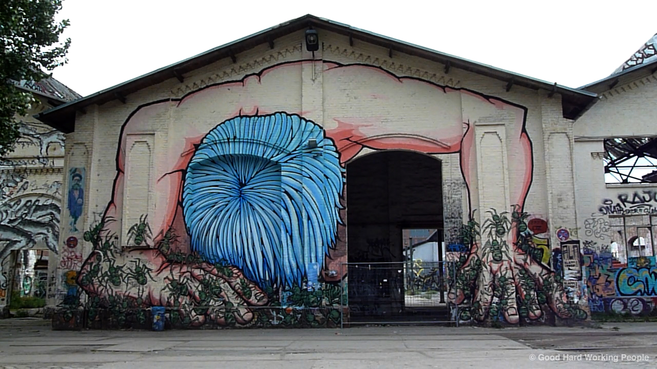 photos of east berlin street art urban art. Black Bedroom Furniture Sets. Home Design Ideas