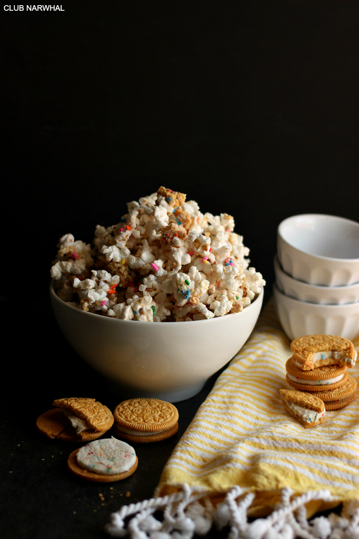 Birthday Cake Oreo Popcorn | So easy and delicious! via Club Narwhal