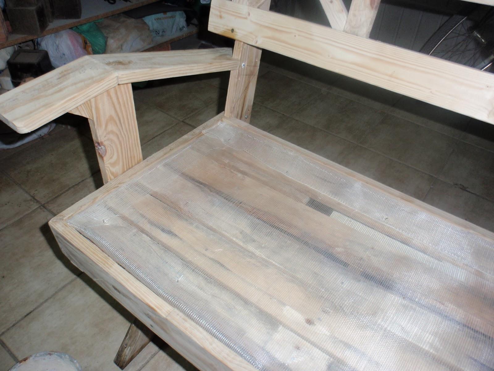 Banco de madera y azulejos construcci n for Azulejos y saneamientos mg