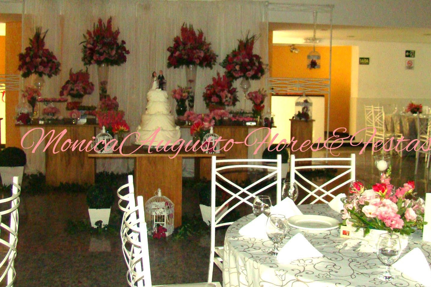 mesa em decor. rosa