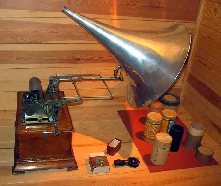 El fonógrafo de Edison.
