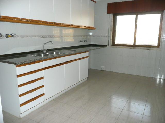 Casas de bancos apartamento t1 em s o marcos casal for Inmobiliarias de bancos