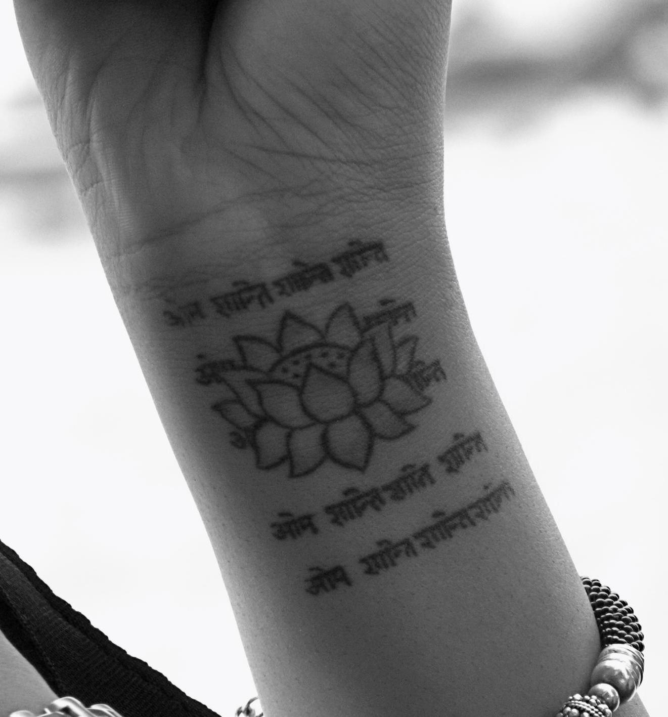 Flower Tattoos For Women On The Wrist