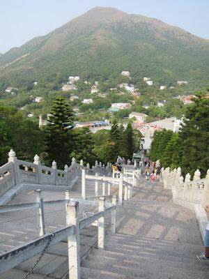 Tian Tan Buddha 268 steps Lantau Island