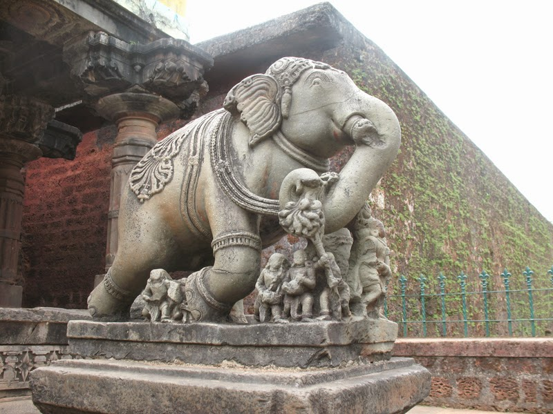 Elephant sculpture Madhukeshwara Temple