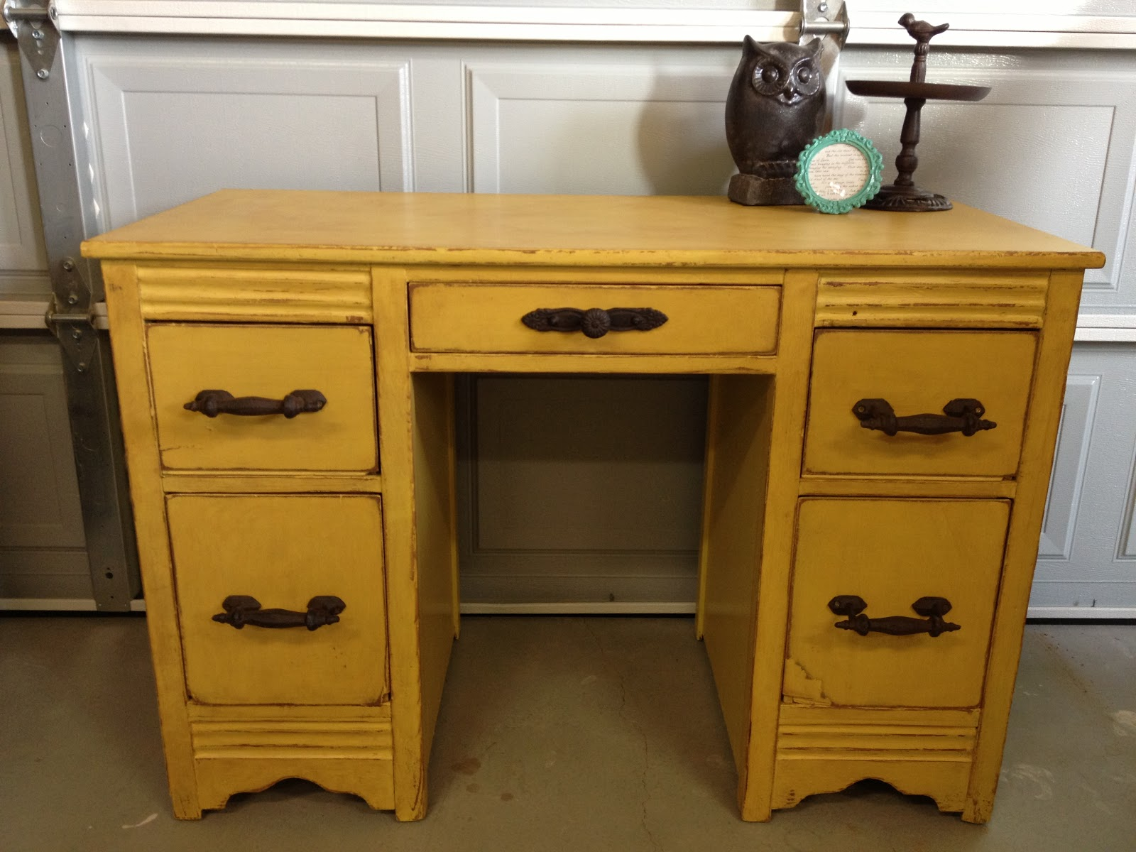 Vintage Emporium One Of A Kind Furniture And More