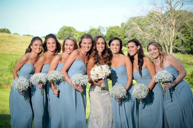 les fleurs : summer barn wedding : blue bridesmaid : babies breath