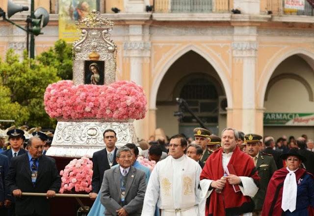 Unas 800 mil personas veneraron a la Virgen del Milagro en Salta 0916_virgen_milagro_g2.jpg_1853027551
