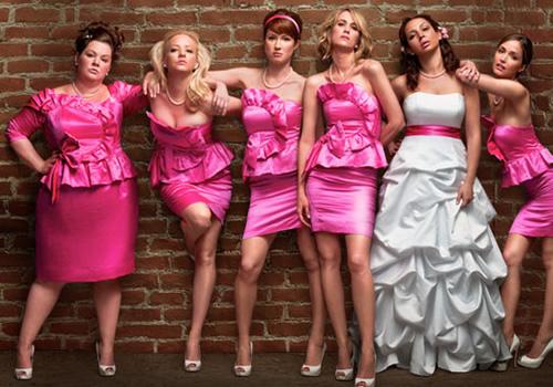 Reklambild för filmen Bridesmaids, kvinnor i klänningar