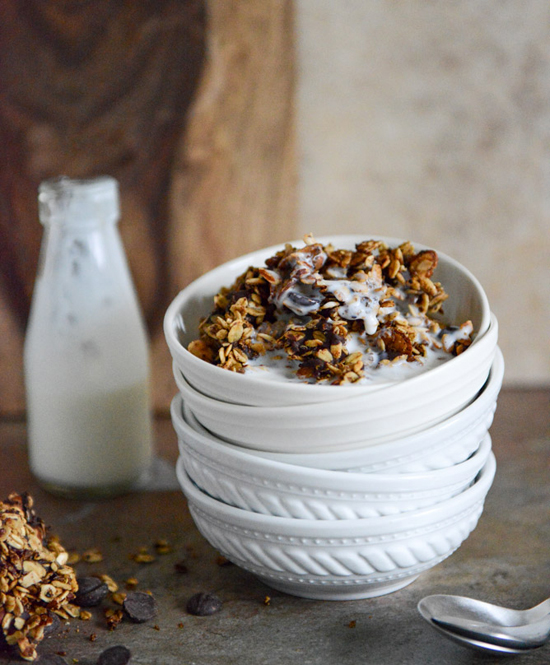 crunchy quinoa, toasted almond and dark chocolate brown butter granola recipe by @howsweeteats #recipe #breakfast