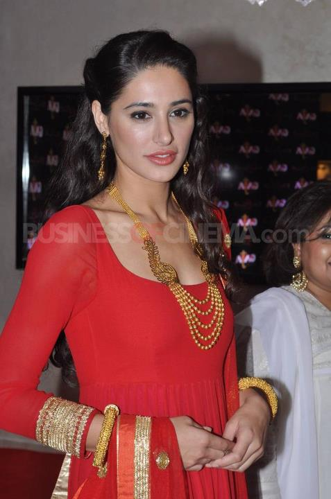 Nargis Fakhri in red salwar kameez - Nargis Fakhri Latest 2012 Pics in Red Salwar Kameez - Pakistani