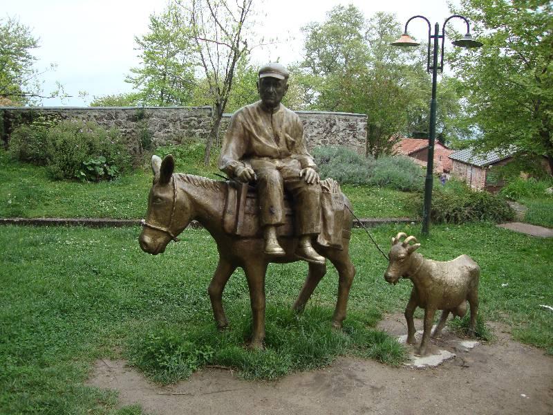 Άγαλμα στην περιοχή «μύλοι»