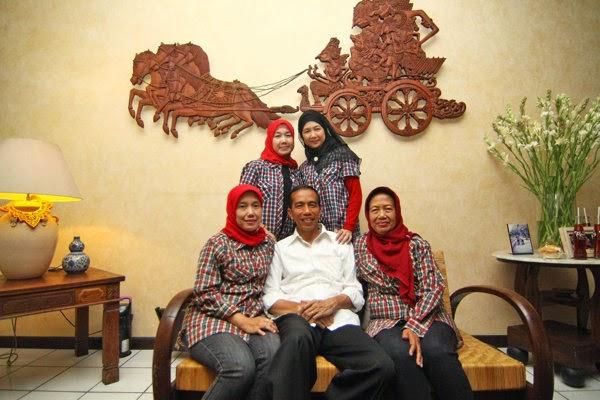 adik jokowi Iit Sriyatini, Ida Yati, Titi Ritawati.