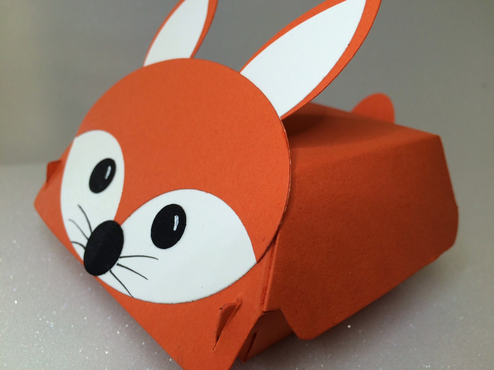 Hamburger box fox