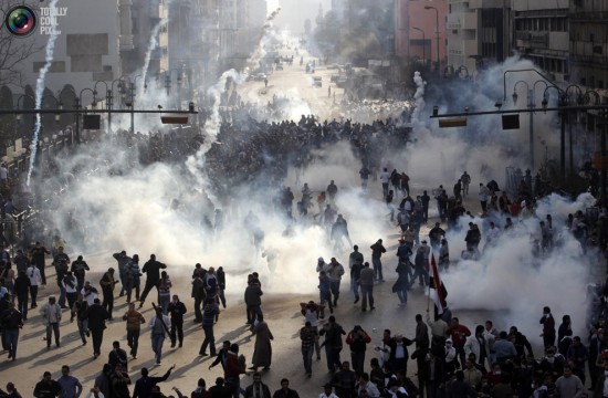 صور أرشفية من قلب أحداث الثورة 2