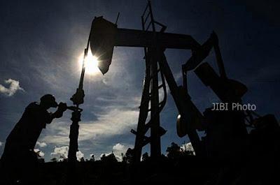 Operator pompa tambang minyak/ kilang minyak