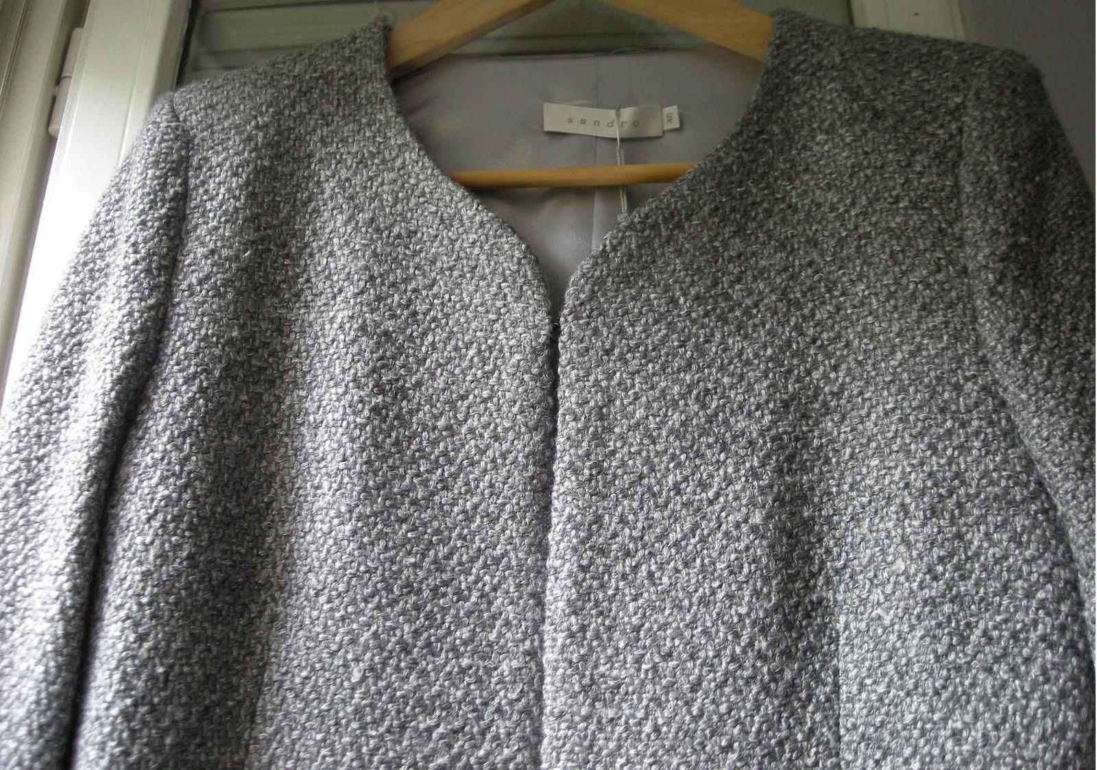 prêt à porter féminin vide dressing Flora : SANDRO – Veste costume grise « Chanel » 35% laine - T40 - NEUVE