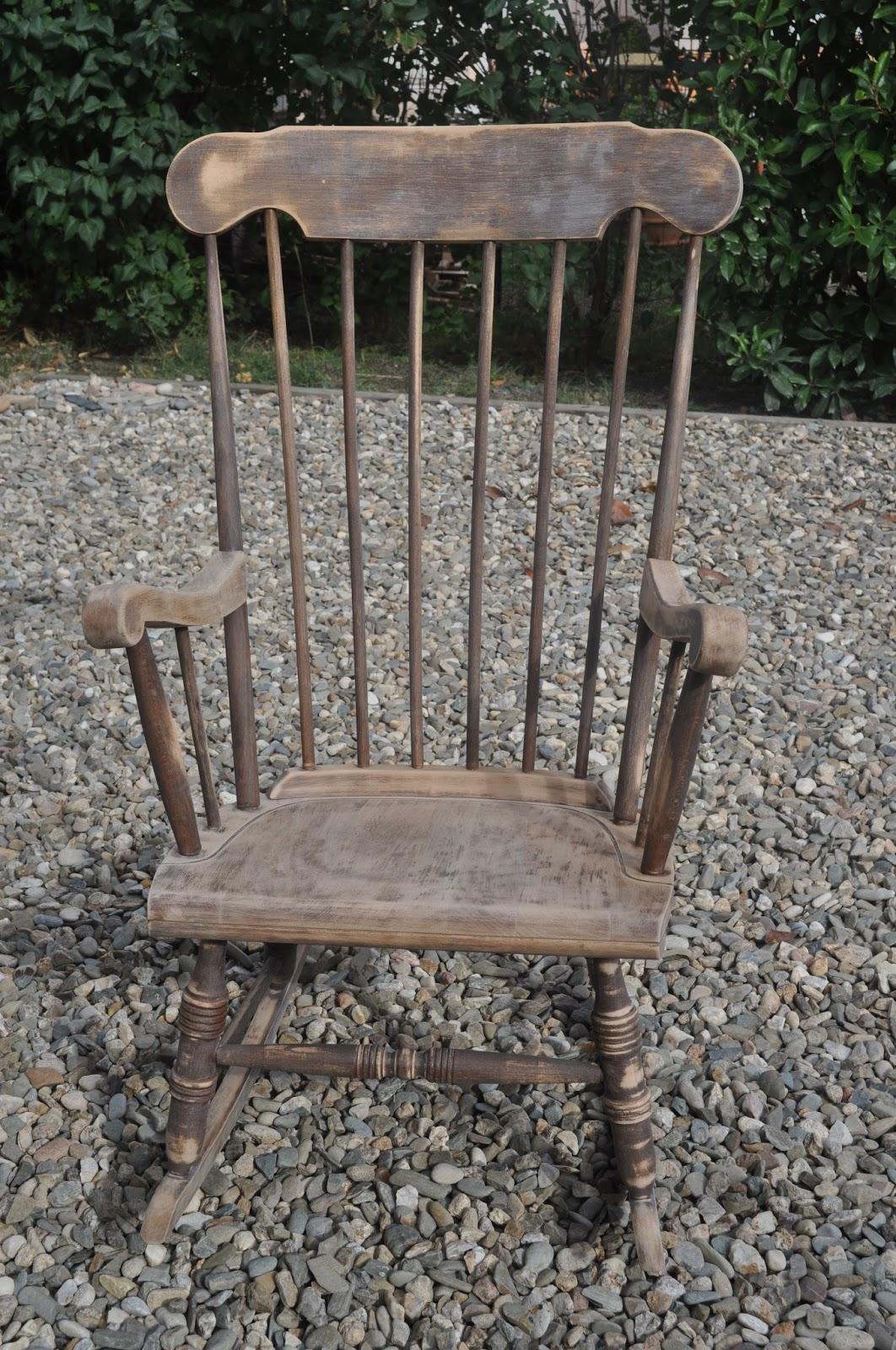 Bois et patines nathalie madrenes rocking chair vitamine - Fauteuil ancien en bois ...