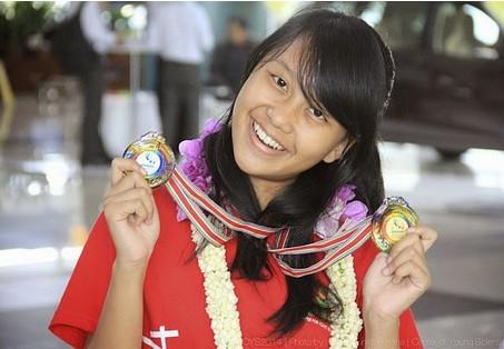 Adinda Dewi - Peraih Emas APCYS Taiwan 2014