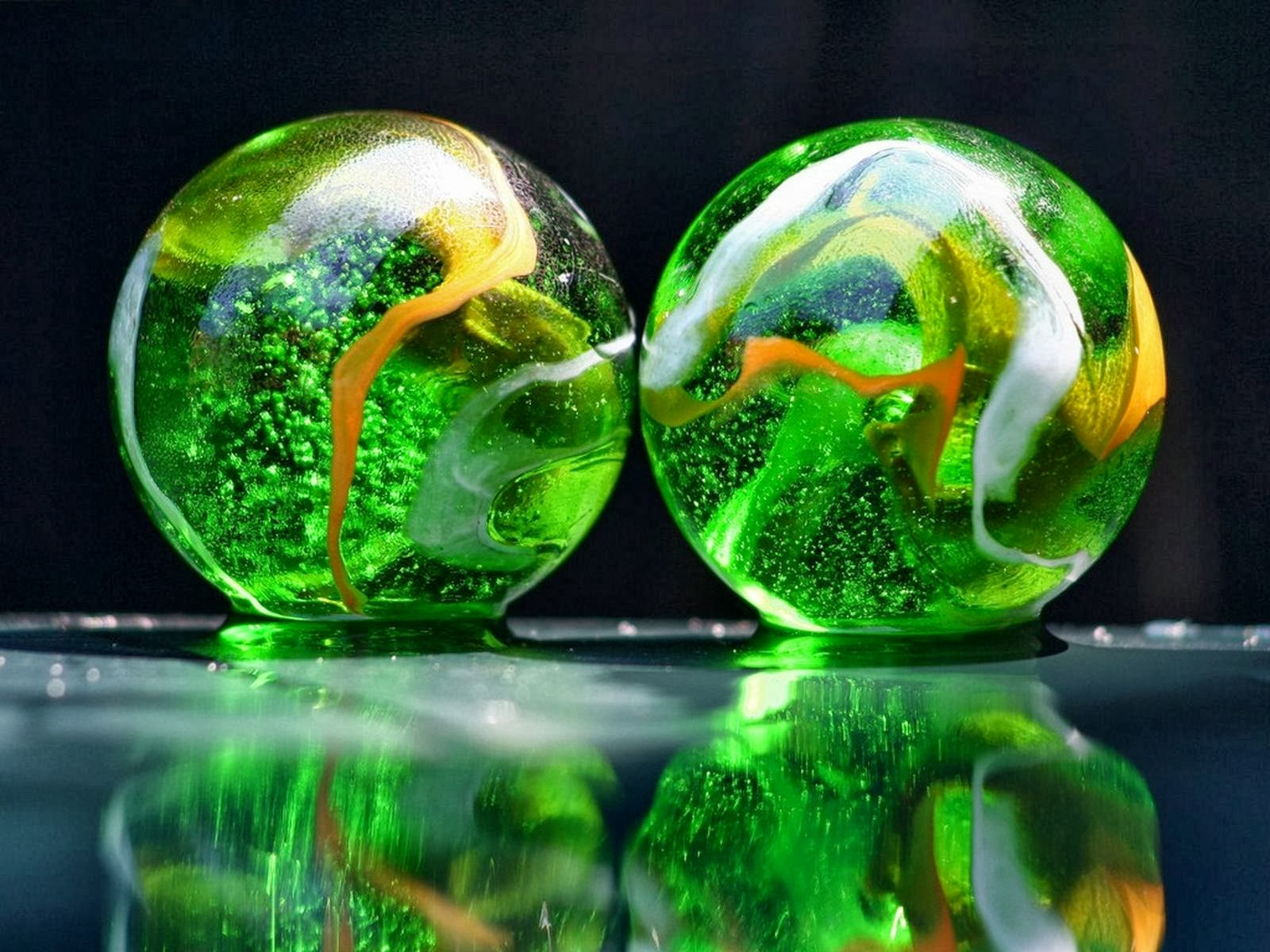 TRENDS WORLD: 3D/HD Wallpapers download free