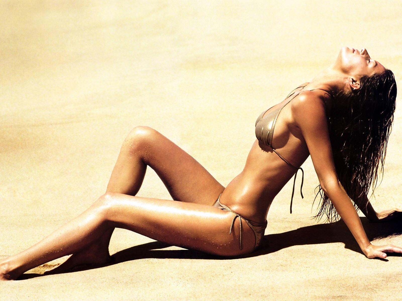 Sunny Leone Wallpapers | Sunny Leone Photos: Sunny Leone Hot in Indian ...