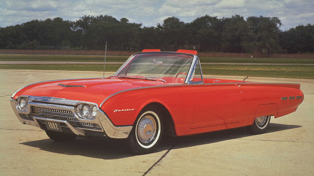 1962 Ford Thunderbird Red