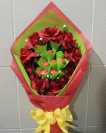 SIDE CHOCO HAND BOUQUET