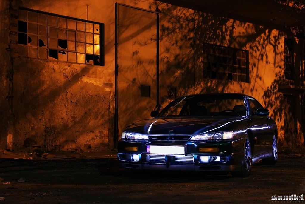 Nissan 200SX S14a, japoński sportowy samochód, motoryzacja, jdm, zdjęcia, fotki, photos, tuning, nocna fotografia, samochody nocą, po zmroku, auto, kultowy, driftowóz