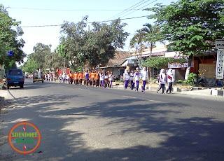 Jalan Santai  Anak Sekolah di Kawedanan Magetan