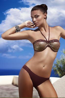 Miss Italia in 2004 Cristina Chiabotto hot pose for posing for Amarea sexy bikini