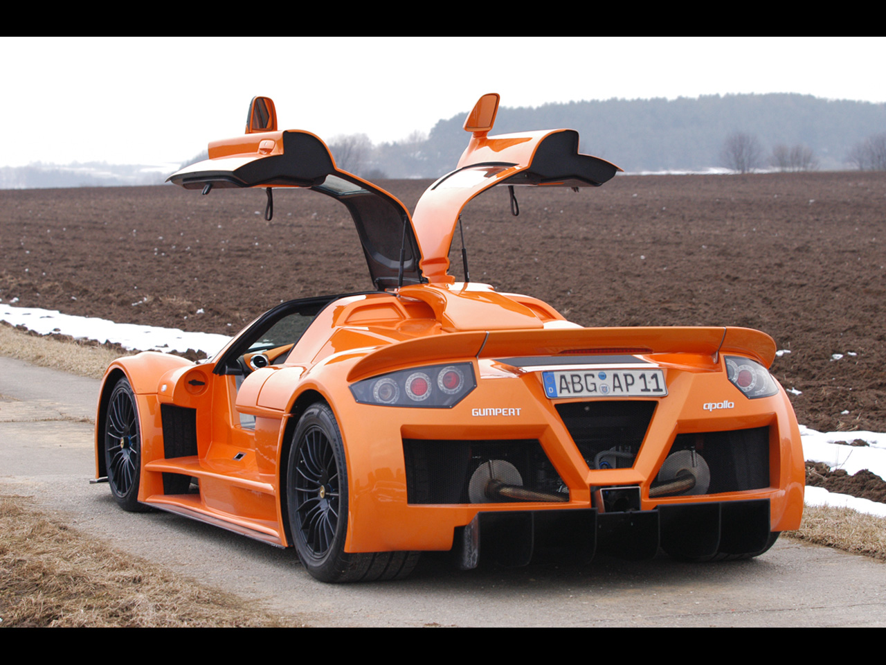 http://3.bp.blogspot.com/-y4bTQFU8Was/Tq30DOg0E-I/AAAAAAAADfs/WRc-oodLUF8/s1600/gumpert-apollo-1280x960-221.jpg
