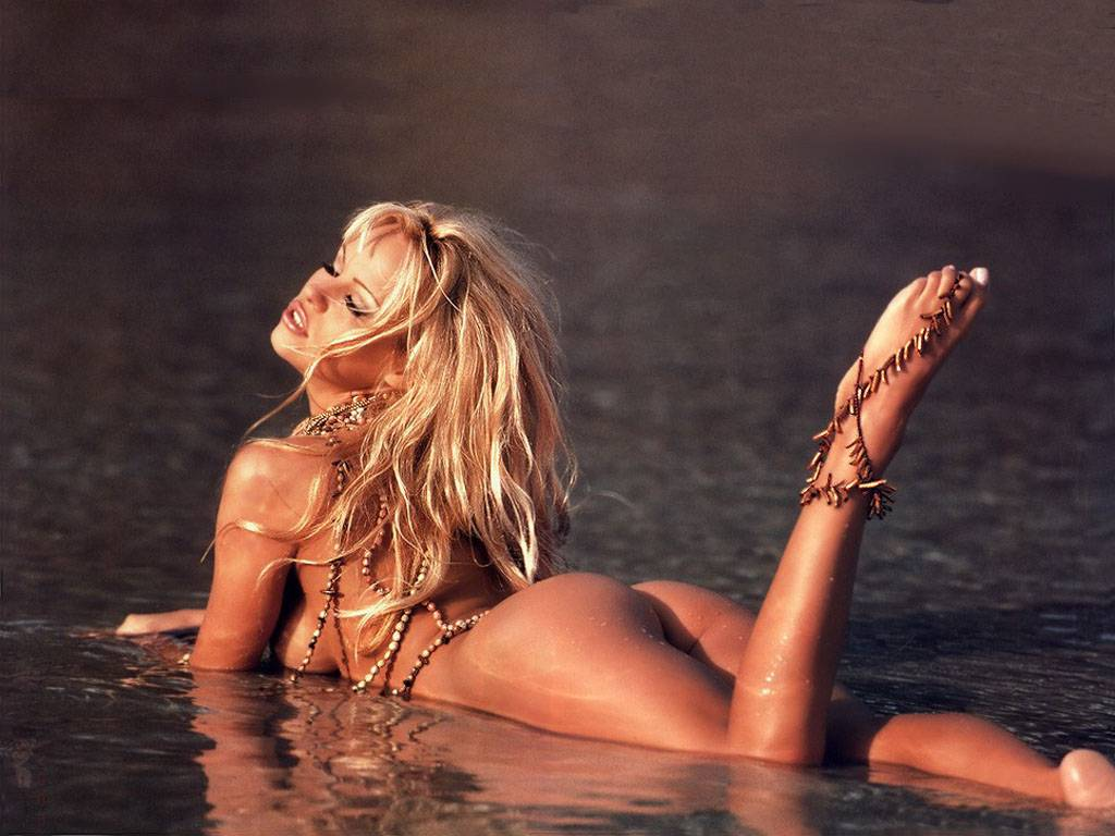 Pamela Anderson Wallpapers