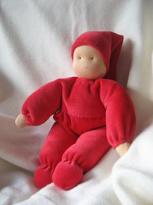 antroposofisch knuffelpopje nicky velours Atelier de vier jaargetijden