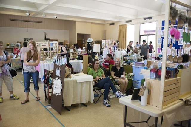 vendor booths, jewelry, arts and crafts, furniture,