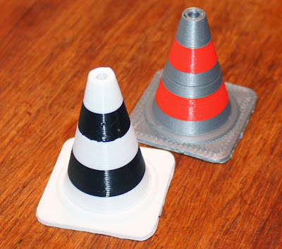 Dual Extrusion traffic cones on the Lasercut Mendel90