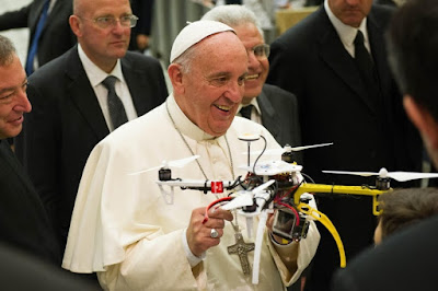 Vatikán, drón, Digos, Angyalvár, drón fotózás, Ferenc pápa